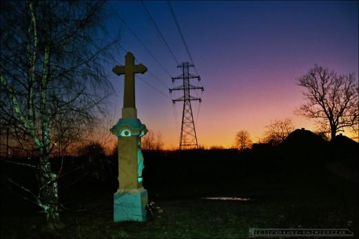Krzyz przydrozny_Tychy_ul.Oswiecimska_1993-12-12_fot_Ireneusz Kazmierczak