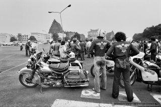 HARLEY DAVIDSON_WROC£AW_IX-1977_FOT_IRENEUSZ KAZMIERCZAK