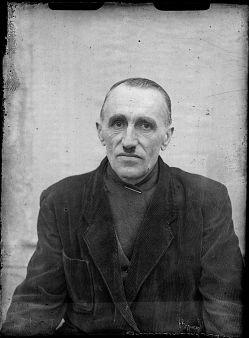 Rok oko³o 1960. Autor zdjêæ: Antoni MA£ECKI - zmar³ 25.09.1976r. Wieœ Osiek powiat Rawicz. Skany negatywów wykona³ Ireneusz KaŸmierczak.