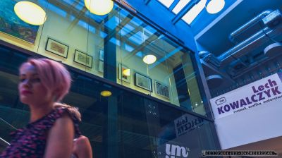 """Wernisaz_Lech Kowalczyk – rysunek, grafika, malarstwo w Miejskiej Galerii Sztuki Obok w Tychach. Wystawa pt. """"Przestrzeñ otwarta, przestrzeñ zamkniêta""""_08.09.2016 _FOT_IRENEUSZ KAZMIERCZAK."""