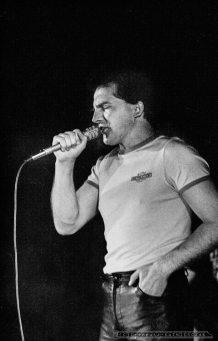 BUDKA SUFLERA_26-02-1983_KATOWICE_FOT_IRENEUSZ KAMIERCZAK