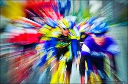 """W 2001r. po raz ósmy by³ rozgrywany Miêdzynarodowy Wyœcig Kolarski """"4 ASY FIATA AUTO POLAND"""". Pi¹ty etap - kryterium uliczne w Tychach 22.09.2001r."""