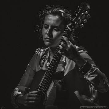XVII Slaska Jesien Gitarowa w Tychach. 27.10.2018. Zwyciezcy Konkursu Gitarowego im. J.E.Jurkowskiego. III nagroda - Carlotta Dalia.
