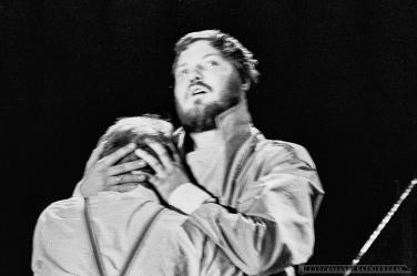 JADRO SZALENSTWA_Teatr BELFEgoR_Tychy_1993_FOT_IRENEUSZ KAZMIERCZAK. S³awomir ¯ukowski za³o¿y³ Teatr BELFEgoR w Tychach w 1986 roku.