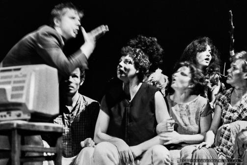 WYDMUCHOWO_Teatr BELFEgoR_Tychy_1987_FOT_IRENEUSZ KAZMIERCZAK. S³awomir ¯ukowski za³o¿y³ Teatr BELFEgoR w Tychach w 1986 roku.
