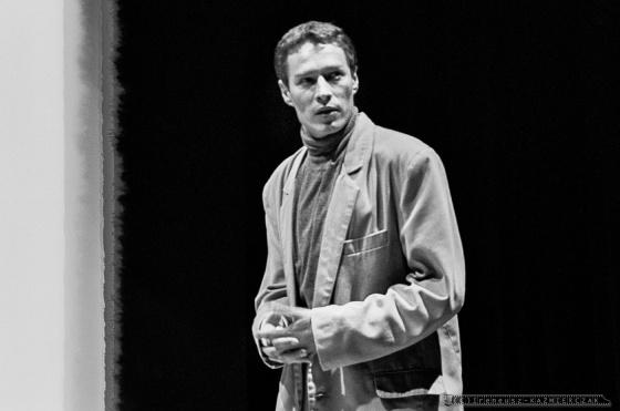 SŁAWOMIR ŻUKOWSKI_Teatr BELFEgoR_Tychy_1994_FOT_IRENEUSZ KAŹMIERCZAK.