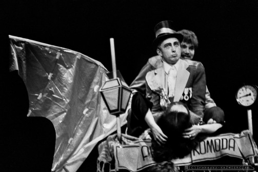 UPIORY_Teatr BELFEgoR_Tychy_1989_FOT_IRENEUSZ KAZMIERCZAK. S³awomir ¯ukowski za³o¿y³ Teatr BELFEgoR w Tychach w 1986 roku.
